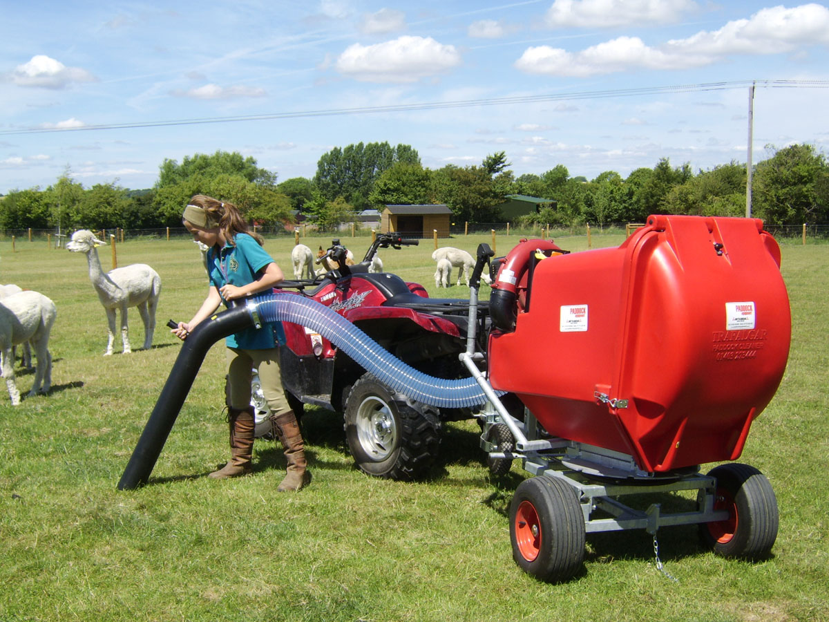 Field vacuums towed by a quad bike